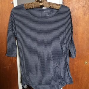 american eagle grey and navy striped jegging t